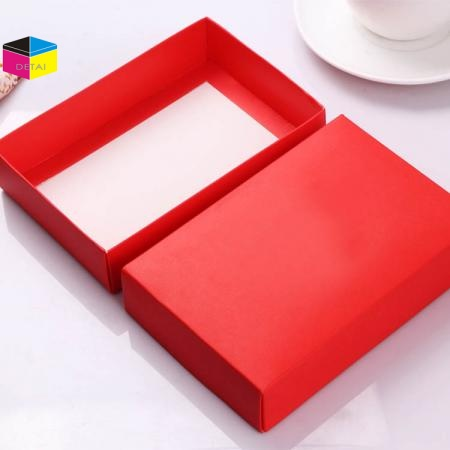 White foldable card gift boxes