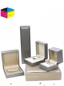 diamond earring box supplier